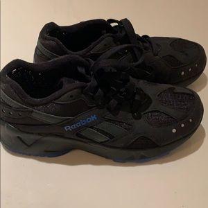 Shoes - Reebok aztrec. New style shoes!!